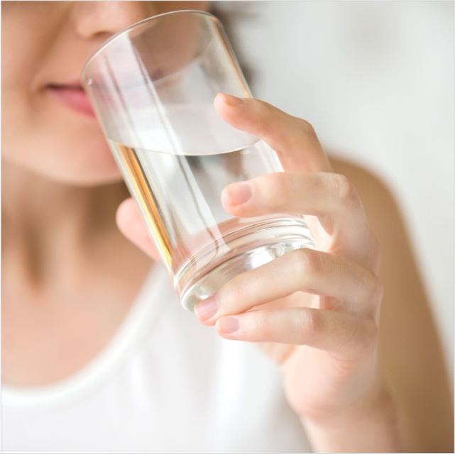 Вода: первый шаг к здоровью. Как её правильно пить?